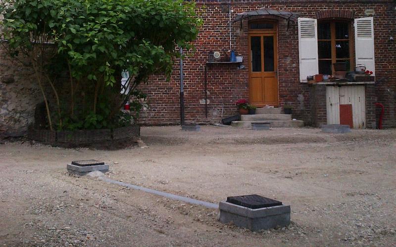 Après - Aménagement d'une cour privée : Granit coloris mélangé 14x20x14