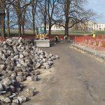 Chantilly Rue du Conétable, Aménagement complet en pavés de remploi , bordures , pavés sur voirie et sur trottoirs; Intégration d'un circuit de chauffage sous le pavage